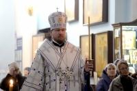В канун праздника Покрова Пресвятой Богородицы правящий архиерей совершил всенощное бдение в Градо-Хабаровском соборе Успения Божией Матери
