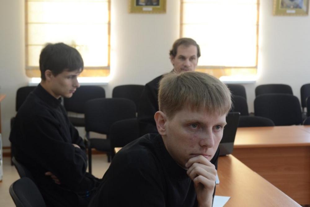 Фотогалерея Хабаровская семинария Защита курсовых работ  Фотграфия 06 jpg