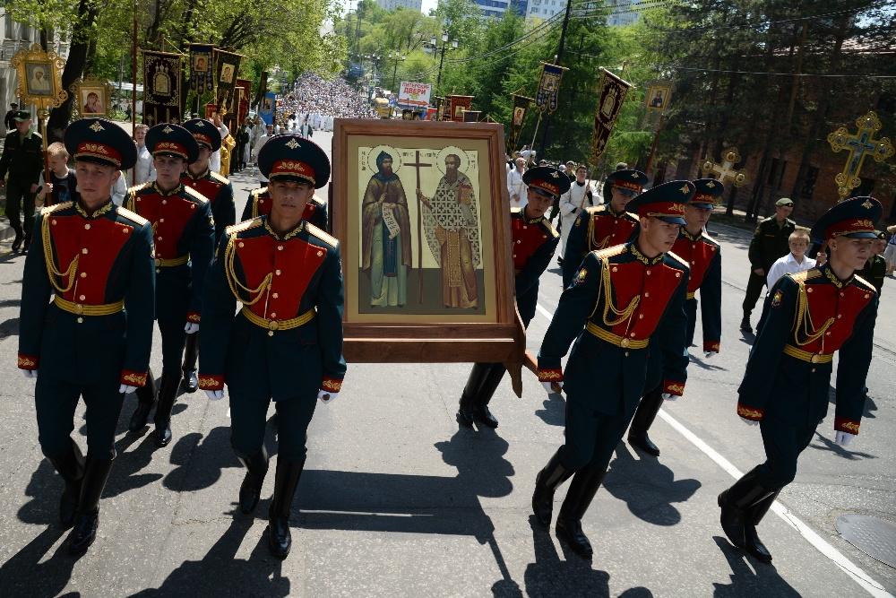 Картинки по запросу Около 3 000 человек приняли участие в общегородском крестном ходе